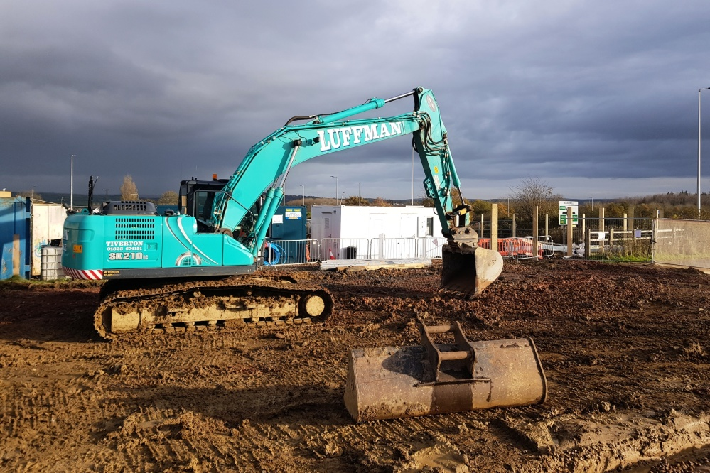 20t excavator with GPS modelling & machine control
