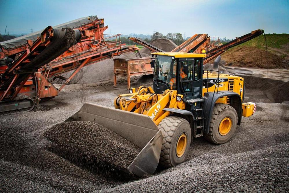 Loading shovel & screeners